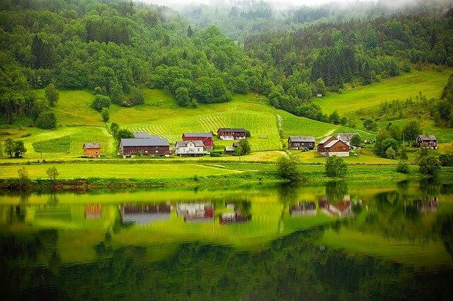 נורווגיה באפריל